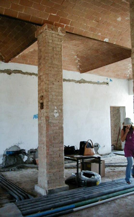Work in progress, cave à vins monumentale