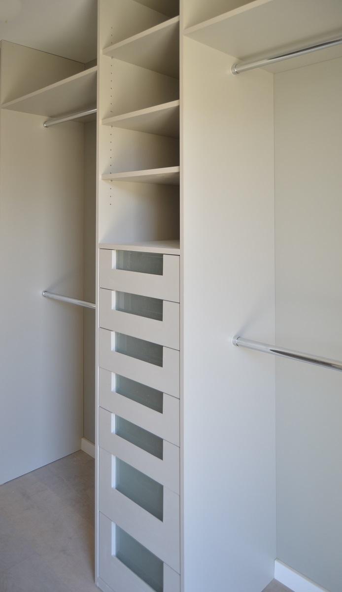 Dressing laqué blanc, tiroirs de rangements