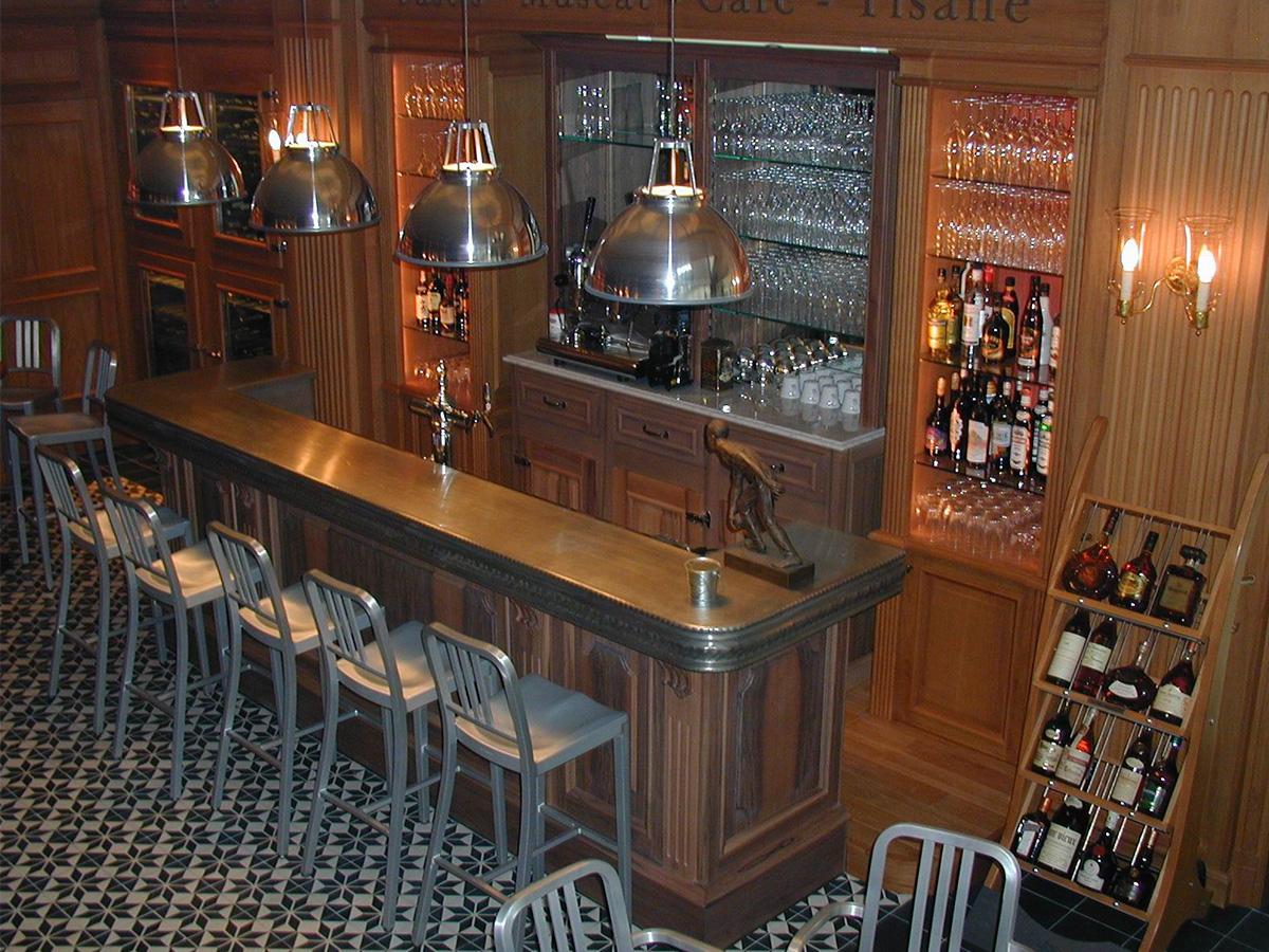 Refrigirated counter, walnut facade, tin track, wine cellars