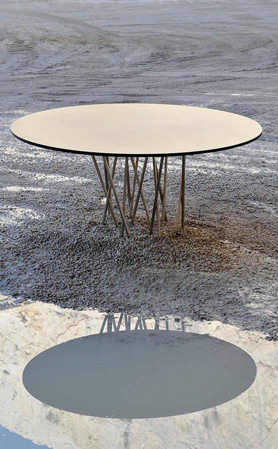 Mobilier design, table sur mesure, piètement et plateau